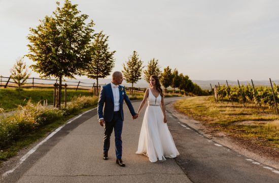 Weinberge Hofgut Laubenheimer Höhe Paarfotos Brautpaar Hochzeit