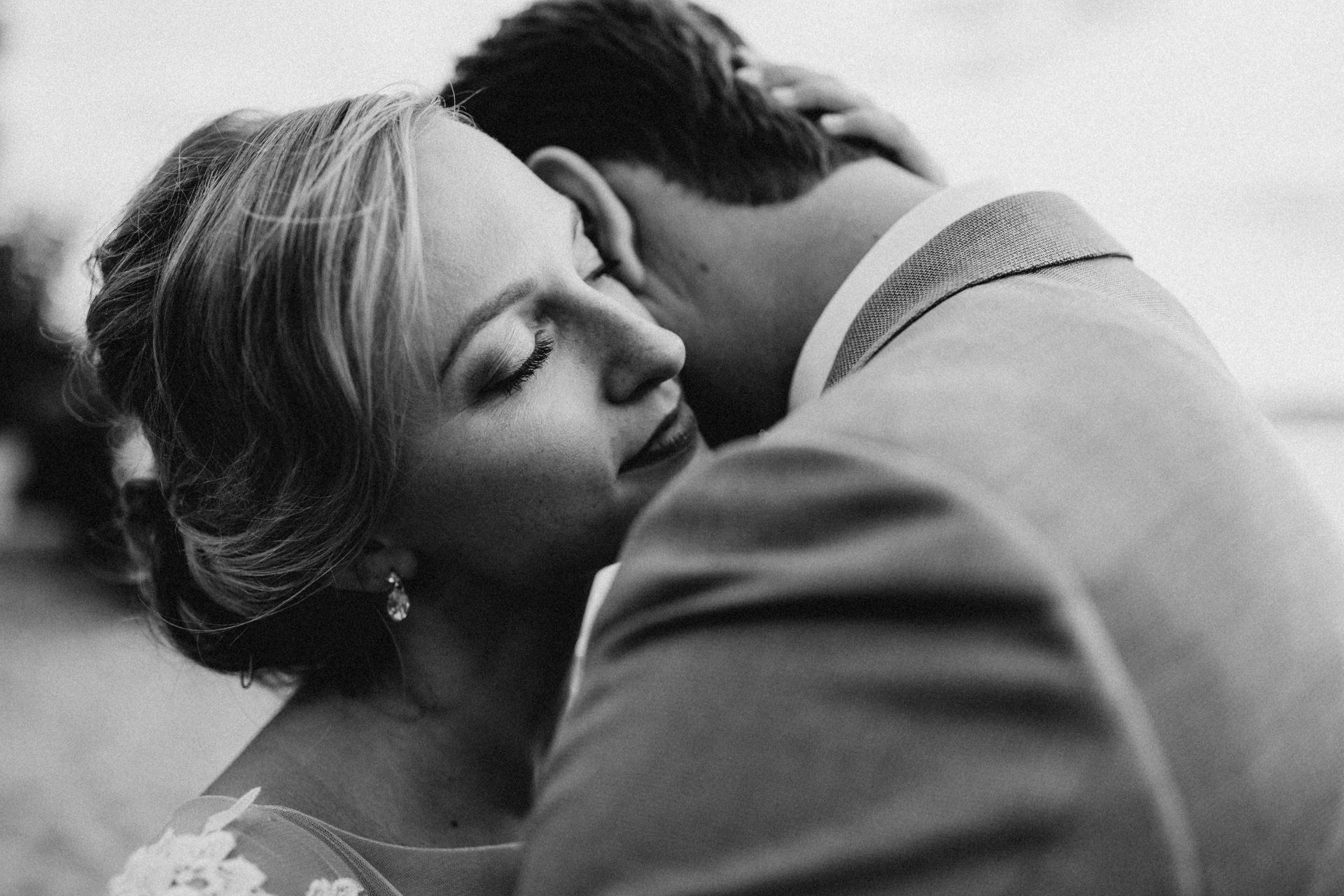 Paarshooting entspannt an der Hochzeit